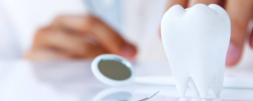 Identifying the top pros of hiring the best dentist